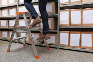 Organizing storage unit